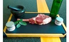 Gegrilltes Rind / Bison Tomahawk Steak