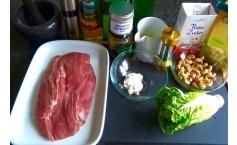Flat Iron Steak mit gebratenen und karamelisierten Salatherzen